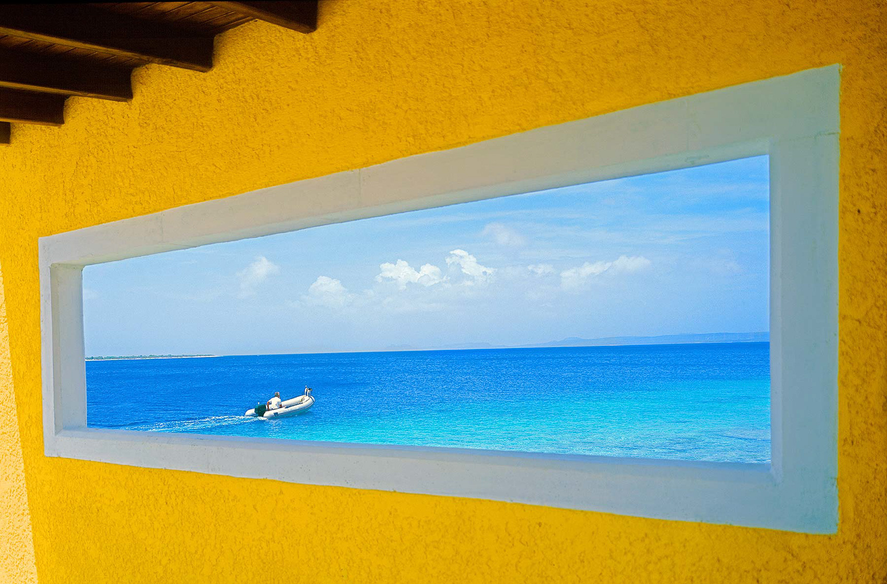 01-Bonaire-window