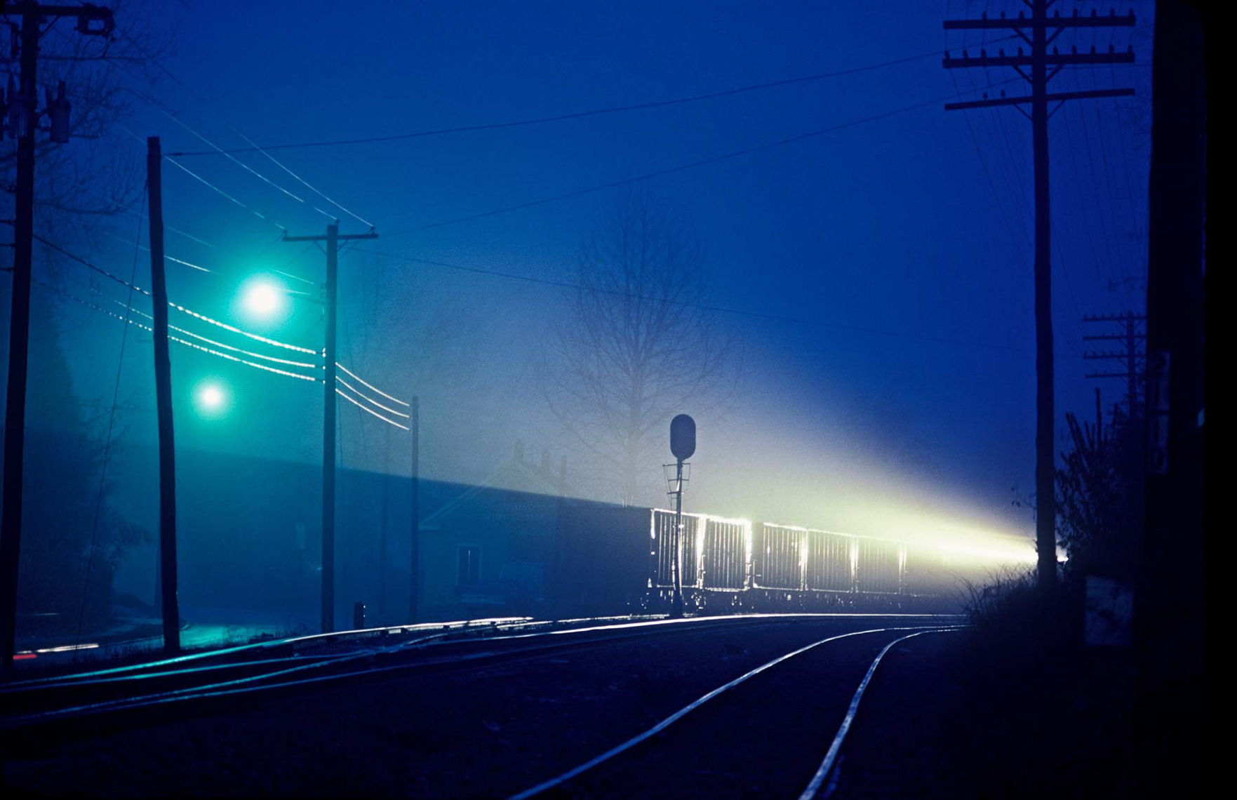 013-Train-light-at-night