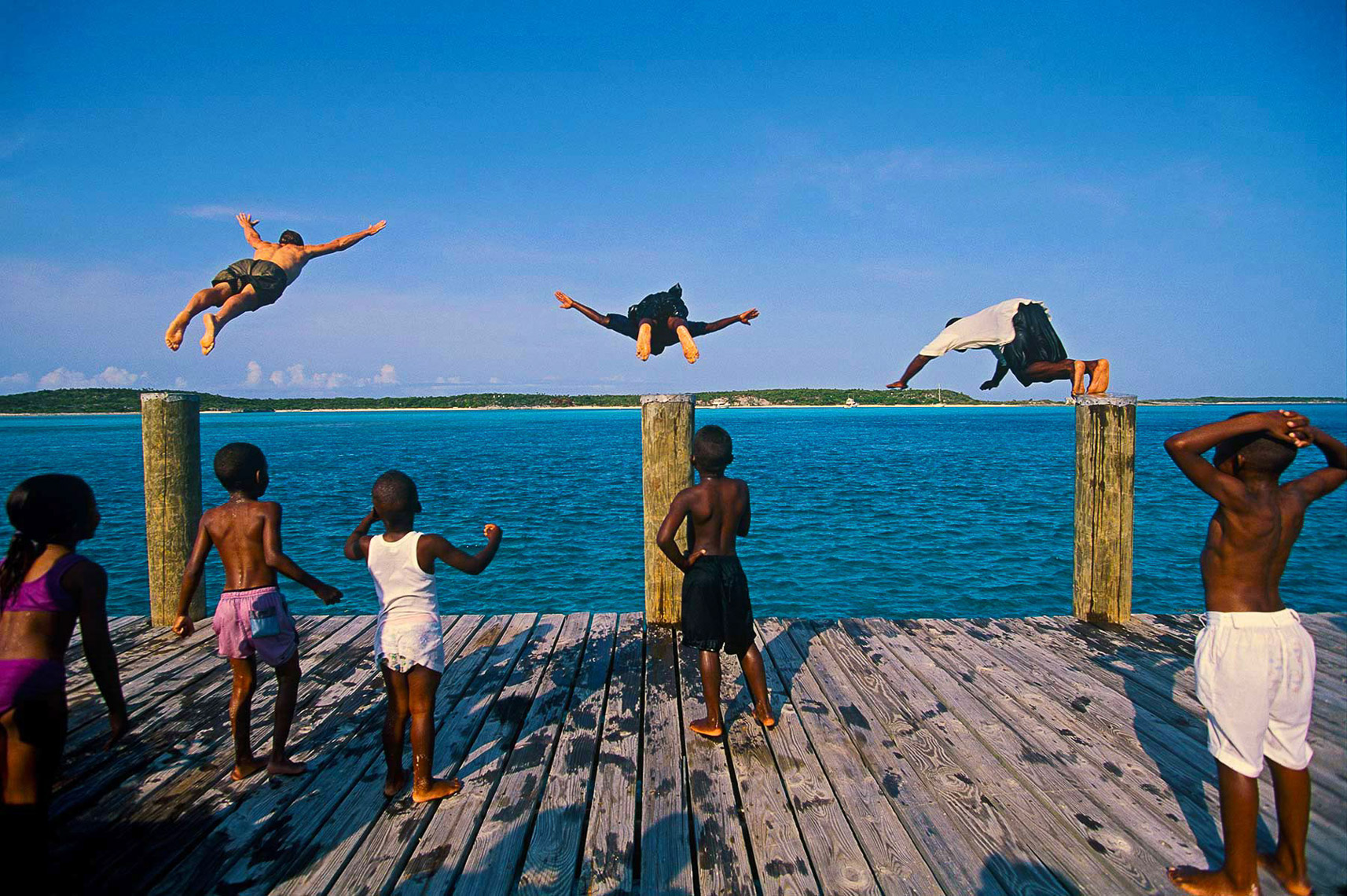 051-Divers-children-Exuma