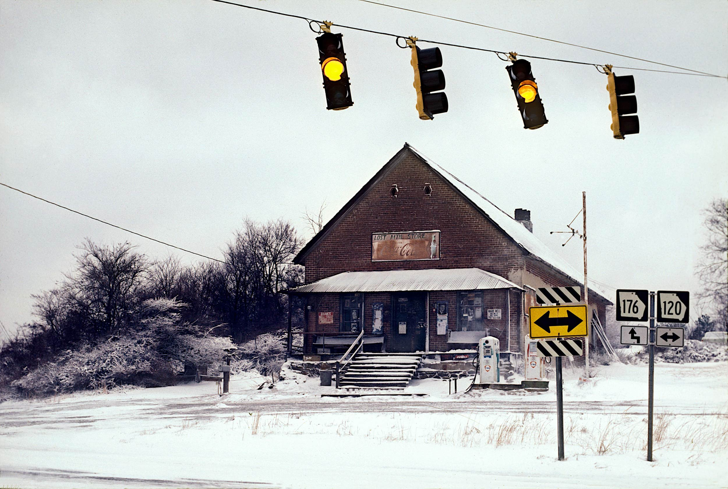 Old-Mt.Store-snow-web