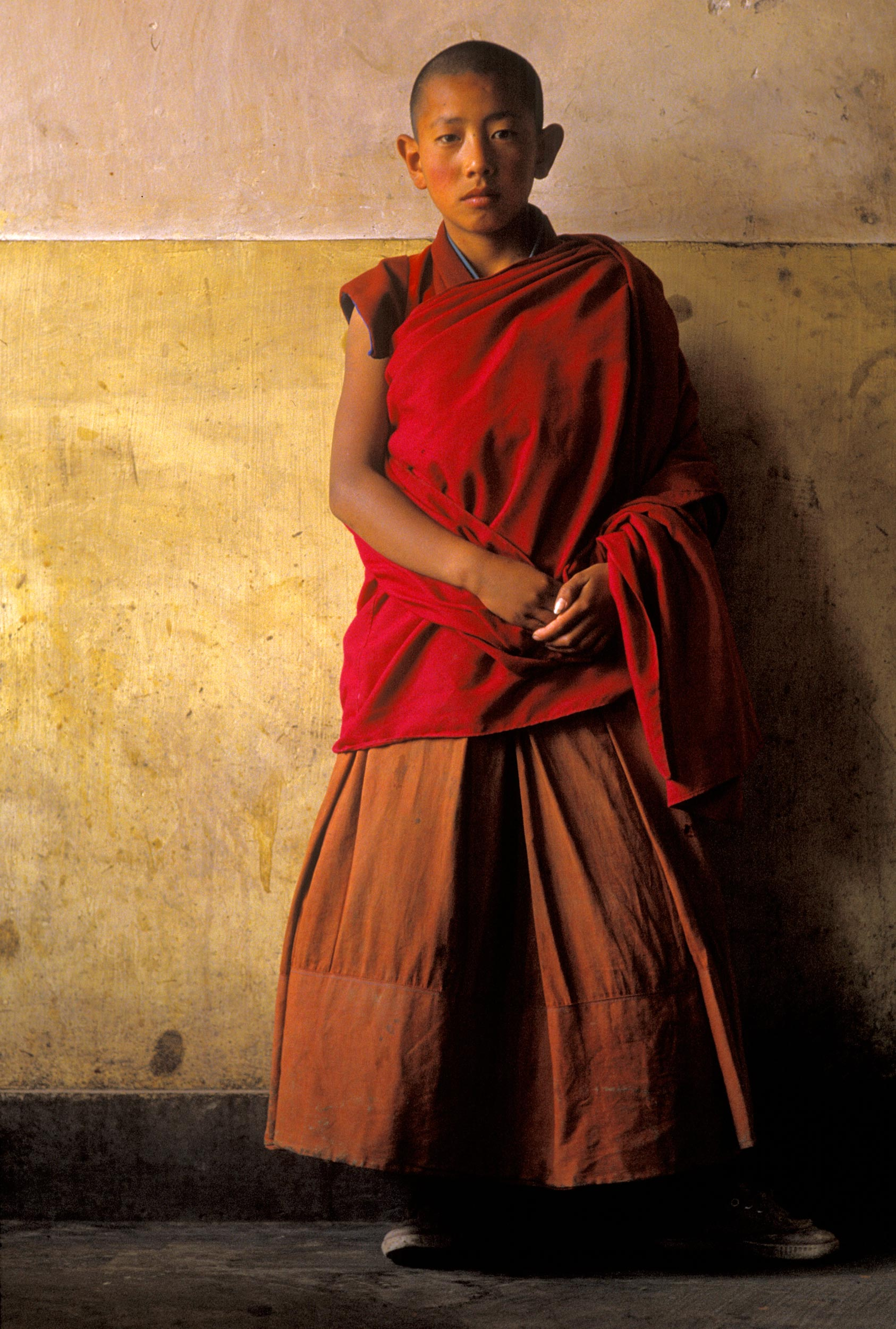 Young-monk-wall-Xiahe-92-web